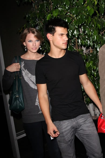 taylor_swift_taylor_lautner_rompen