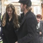 Angelina_Jolie_Brad_Pitt_visitan_Bosnia