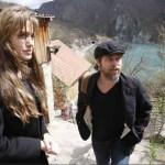 Angelina_Jolie_Brad_Pitt_visitan_Bosnia_3