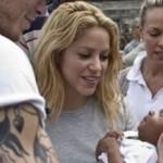 Shakira_escuela_Haiti_port