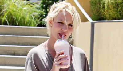 Britney_nuevo_tatuaje_upskirt_port