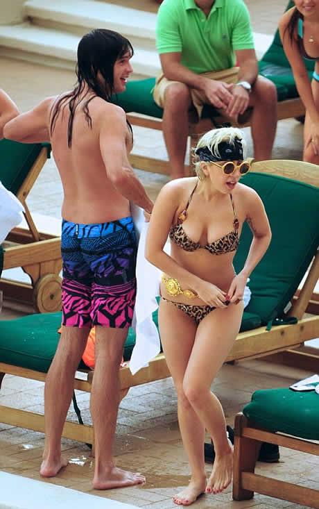 Lady_Gaga_vuelve_con_su_ex_2